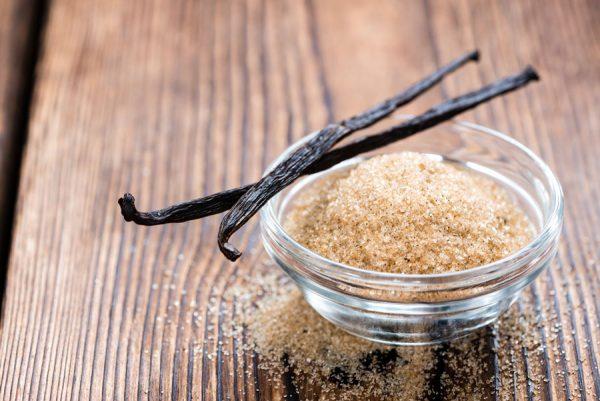 מקלות וניל וסוכר וניל טבעי
