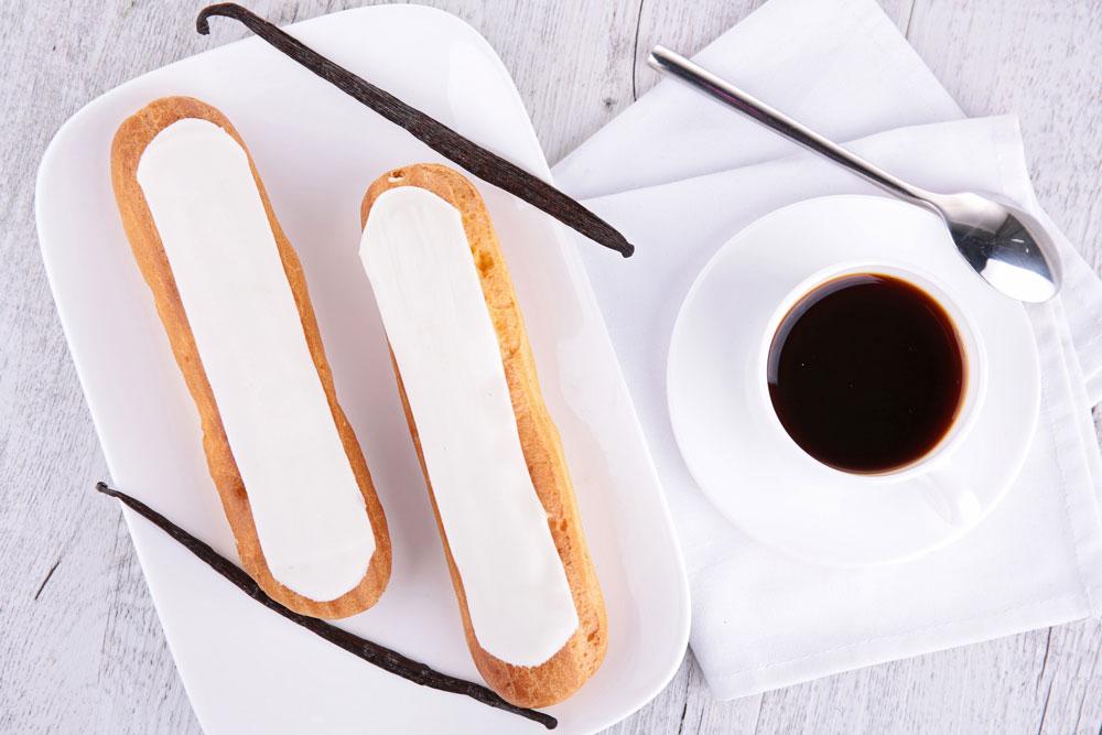פחזניות בצק רבוך במילוי קרם וניל אמיתי